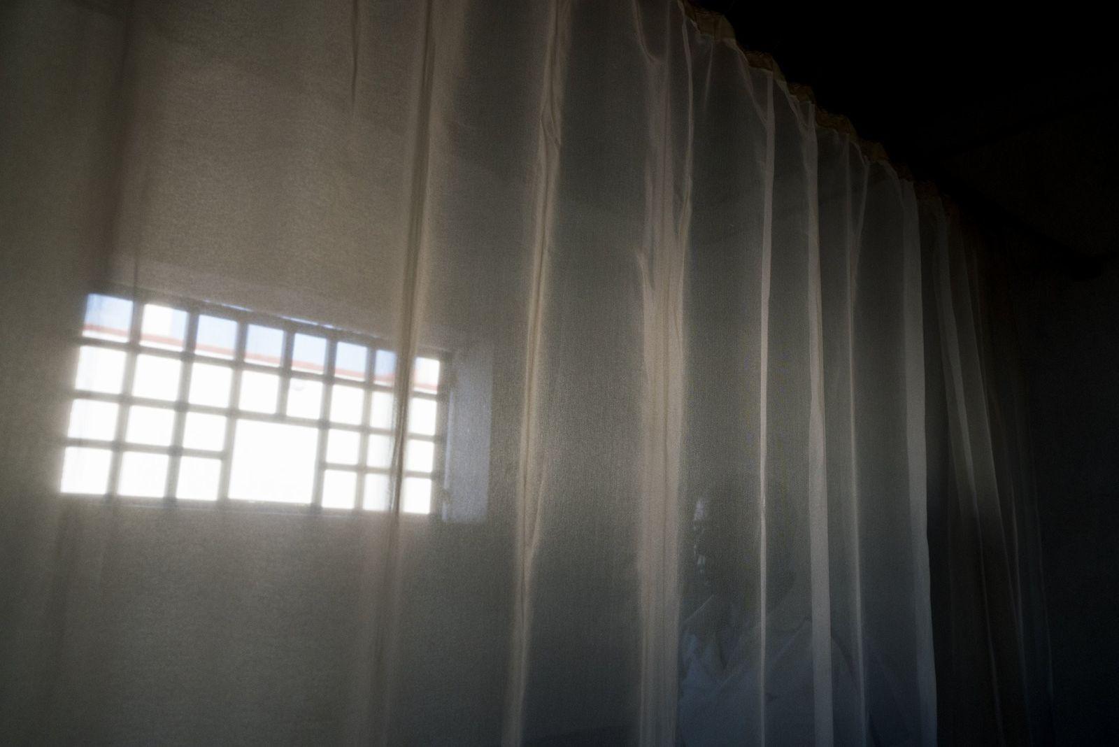 Accusé d'avoir tué des lémuriens, Jean Yves Ratosovon est détenu dans la prison de Moramonga en ...