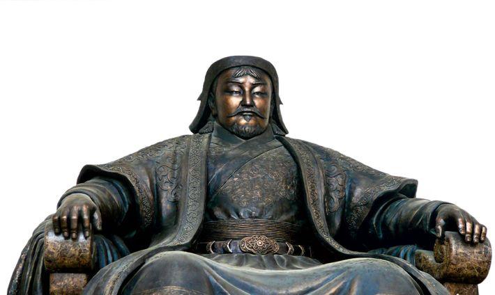 Cette statue à l'effigie de Genghis Khan, le grand-père de Kubilai, est exposée à Oulan-Bator, capitale ...