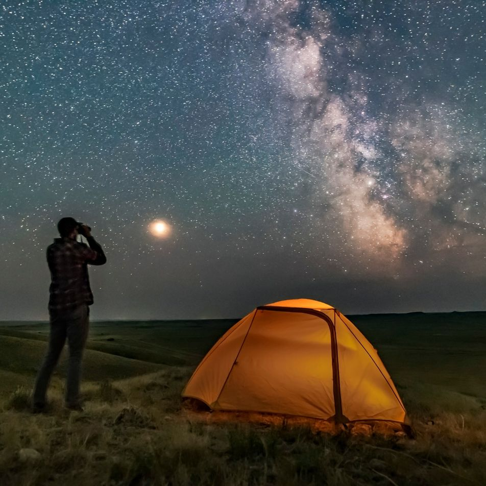 Randonnée sous les étoiles, l'activité en plein air idéale ?