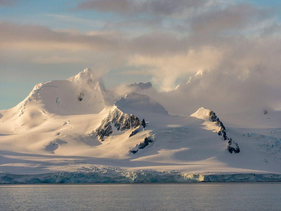 Étudier les chutes de neige en Antarctique pour mieux préserver la calotte glaciaire
