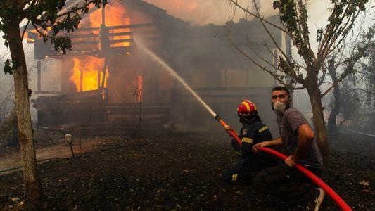Les incendies en Grèce menacent aussi le patrimoine historique du pays