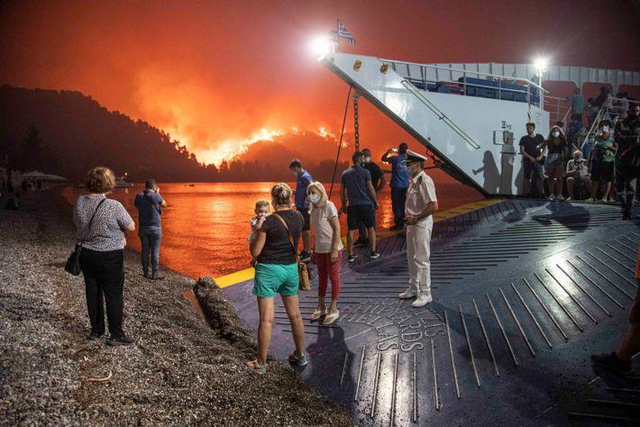 greece-ferry-evacuation