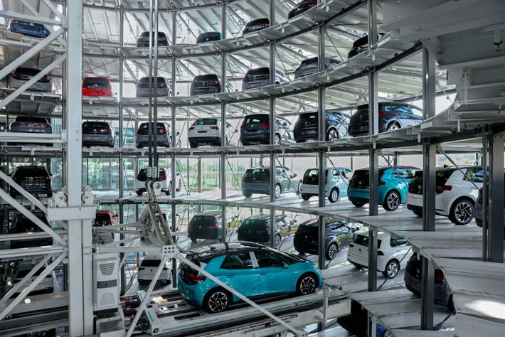 greening-cars-volkswagen-storage-tower