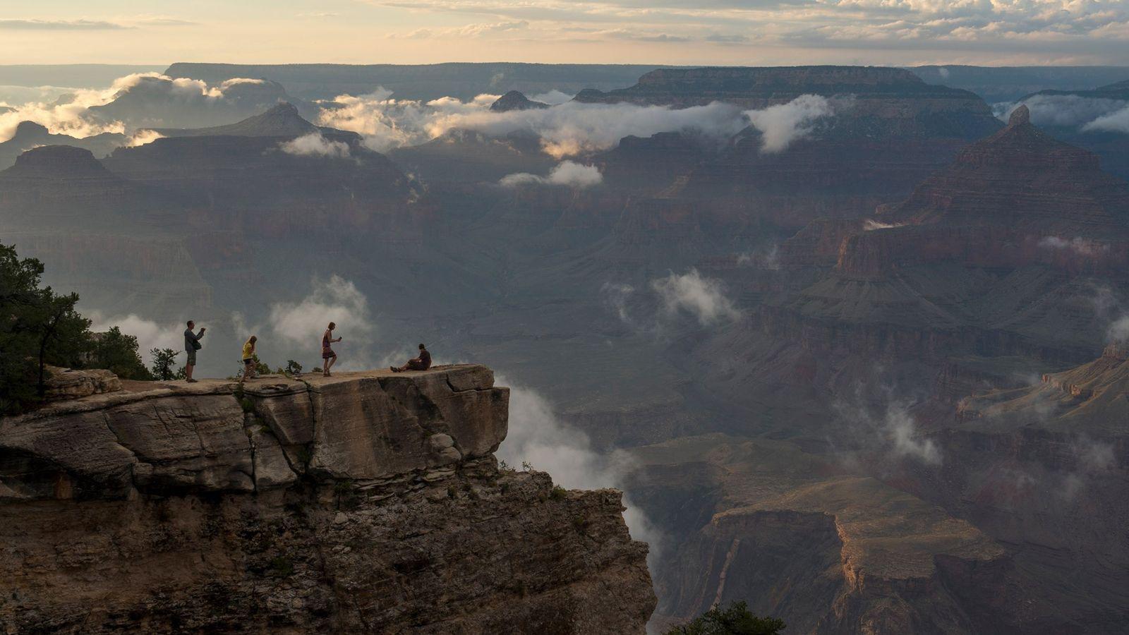 Le Service des parcs nationaux gère 419 services et plus de 500 contrats de concession. Une entreprise ...