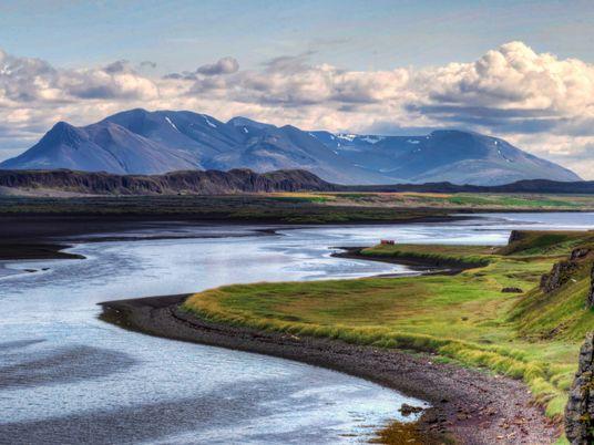 L'Arctic Coast Way : entre mythes, faune sauvage et lacs arctiques