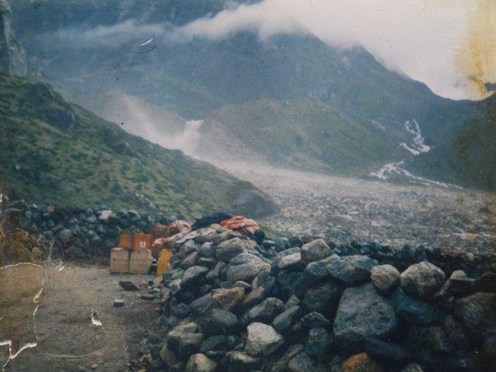 Le 3 septembre 1998, Lhakpa Gyaljen Sherpa, dans le village népalais de Kothe, a pris cette ...