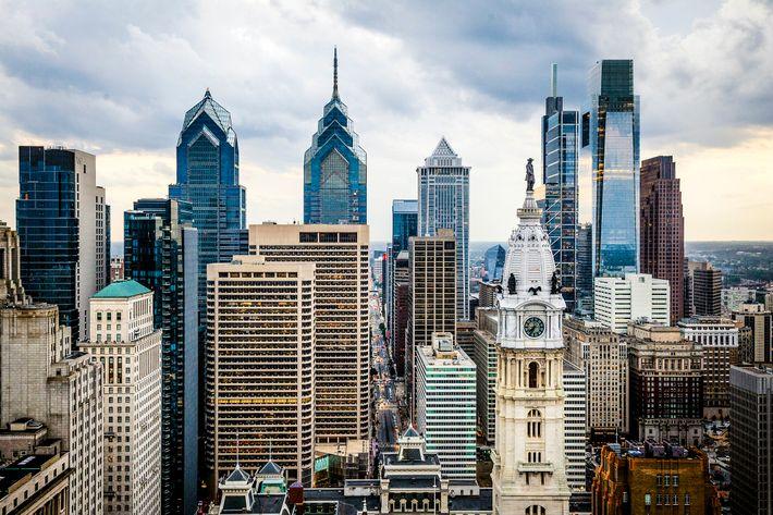 Le One Liberty Place, le BNY Mellon Center et le Comcast Center, le nouvel hôtel Four ...