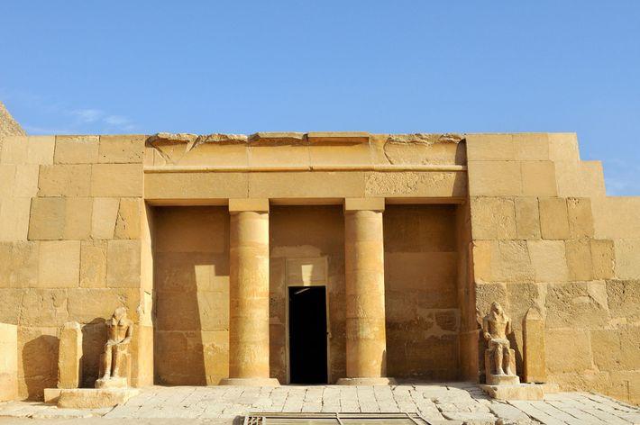Mis au jour en 1927, le tombeau de Mérésânkh III est très bien conservé.
