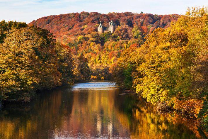 Construit pour le riche Lord Bute, Castle Coch est niché dans les collines du sud du ...
