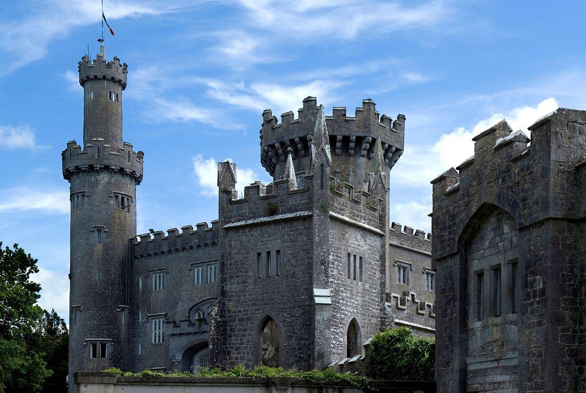 Château de Charleville, Irlande -L'architecture spectaculaire de ce château dissimule sa véritable nature. Considéré par beaucoup ...