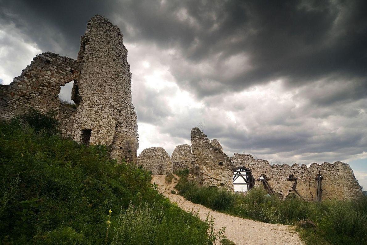 Château de Čachtice, Slovaquie -L'histoire de ce château qui a servi de décor au film Nosferatu ...