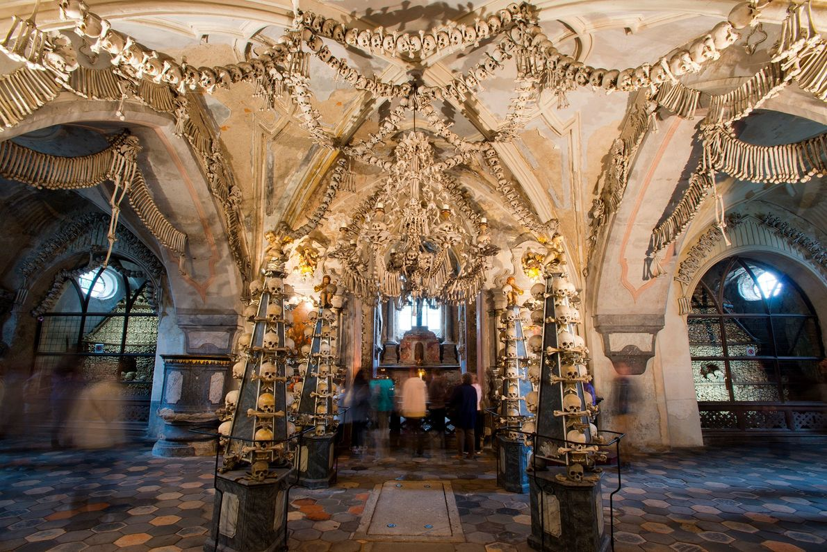 Ossuaire de Sedlec, République tchèque -Classé parmi les sites les plus visités de République tchèque, l'ossuaire ...