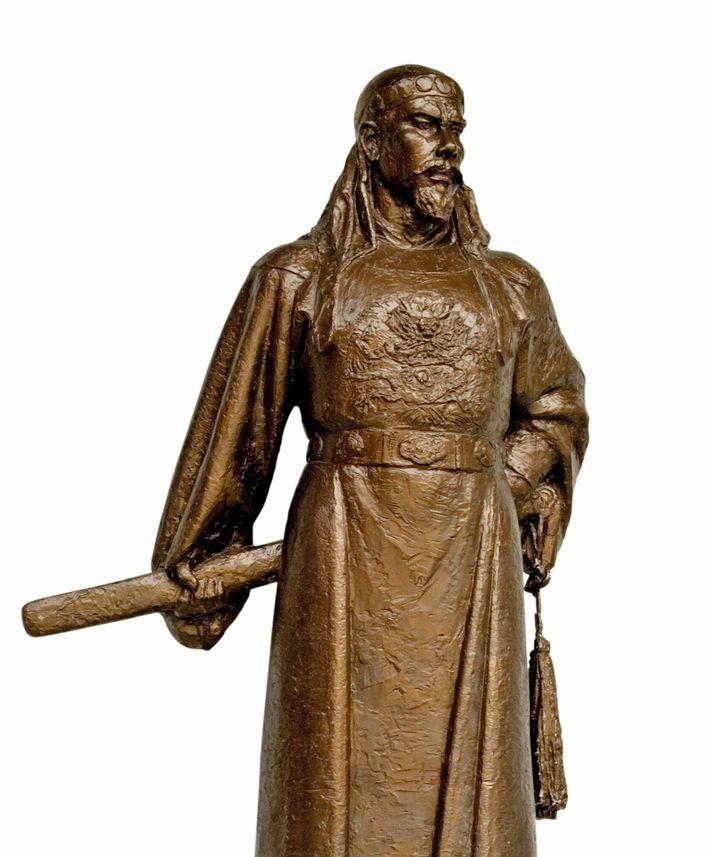 Statue en bronze du révolutionnaire Hong Xiuquan érigée à Nankin.