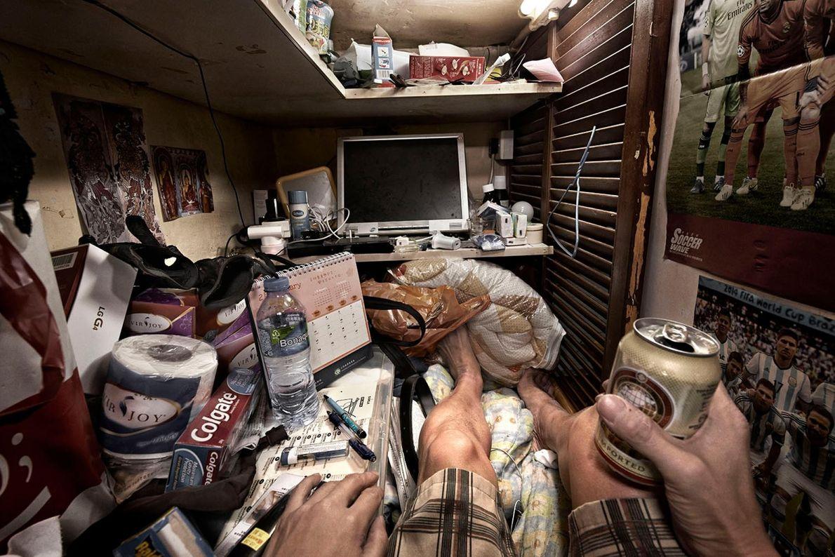 L'éclat de Hong Kong camoufle en réalité 200 000 personnes exclues du progrès social de la ...