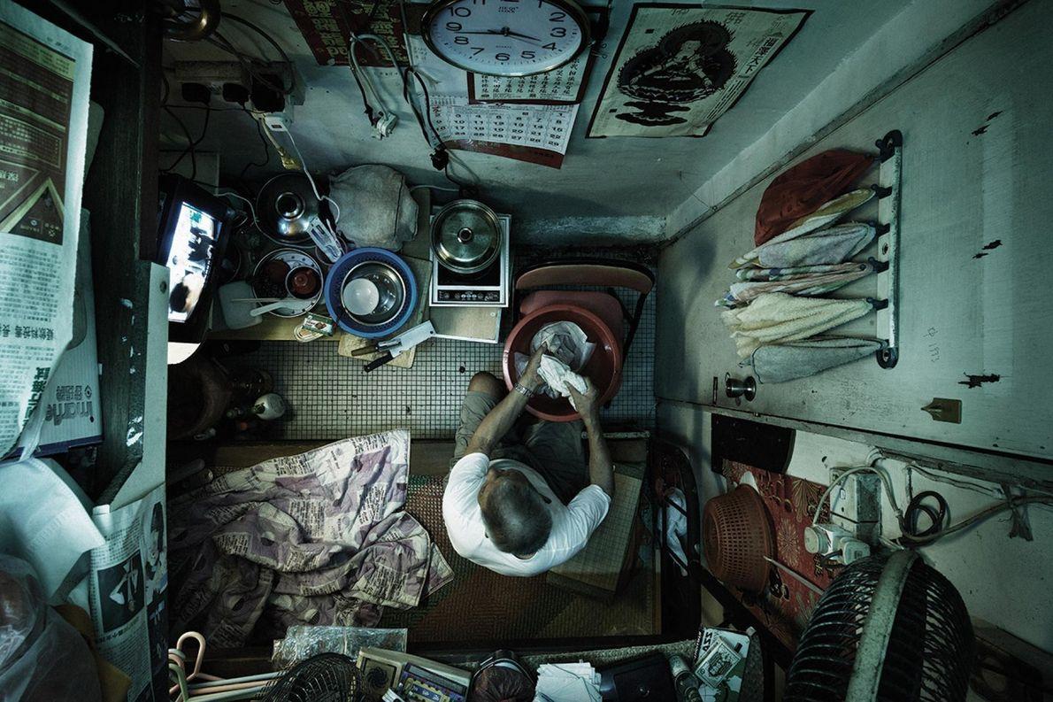Ces cabines subdivisées sont en réalité illégales à Hong Kong.