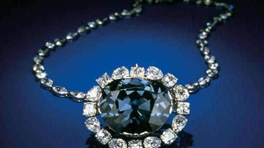 Le diamant Hope, actuellement exposé au musée national d'histoire naturelle des États-Unis à Washington, est une ...
