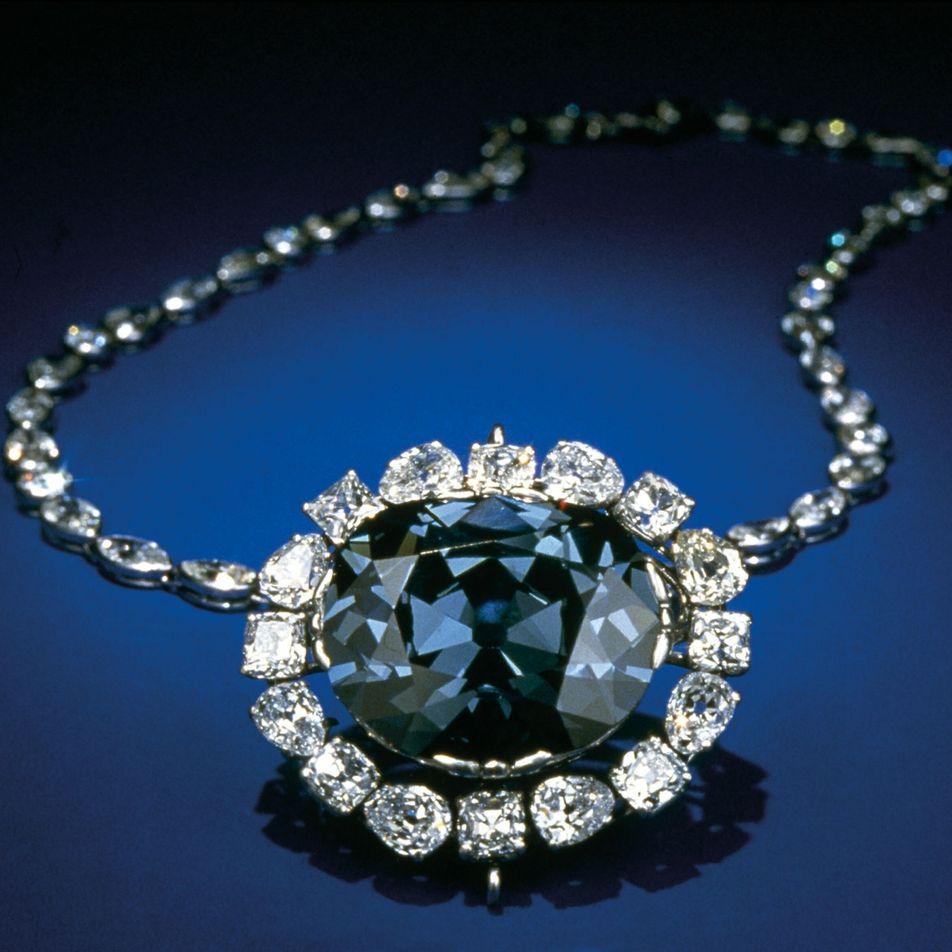 L'incroyable destin du diamant bleu de la Couronne de France