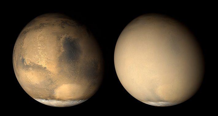 Ces deux images de Mars prises à un mois d'intervalle par le Mars Global Surveryor de ...