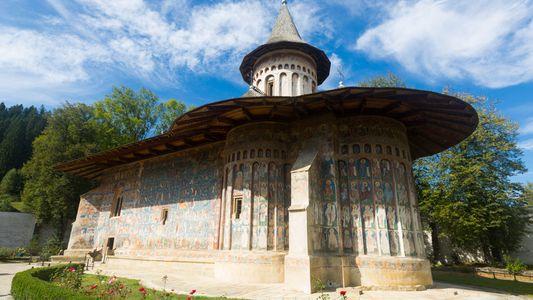 """Ce monastère roumain est la """"Chapelle Sixtine de l'Est"""""""