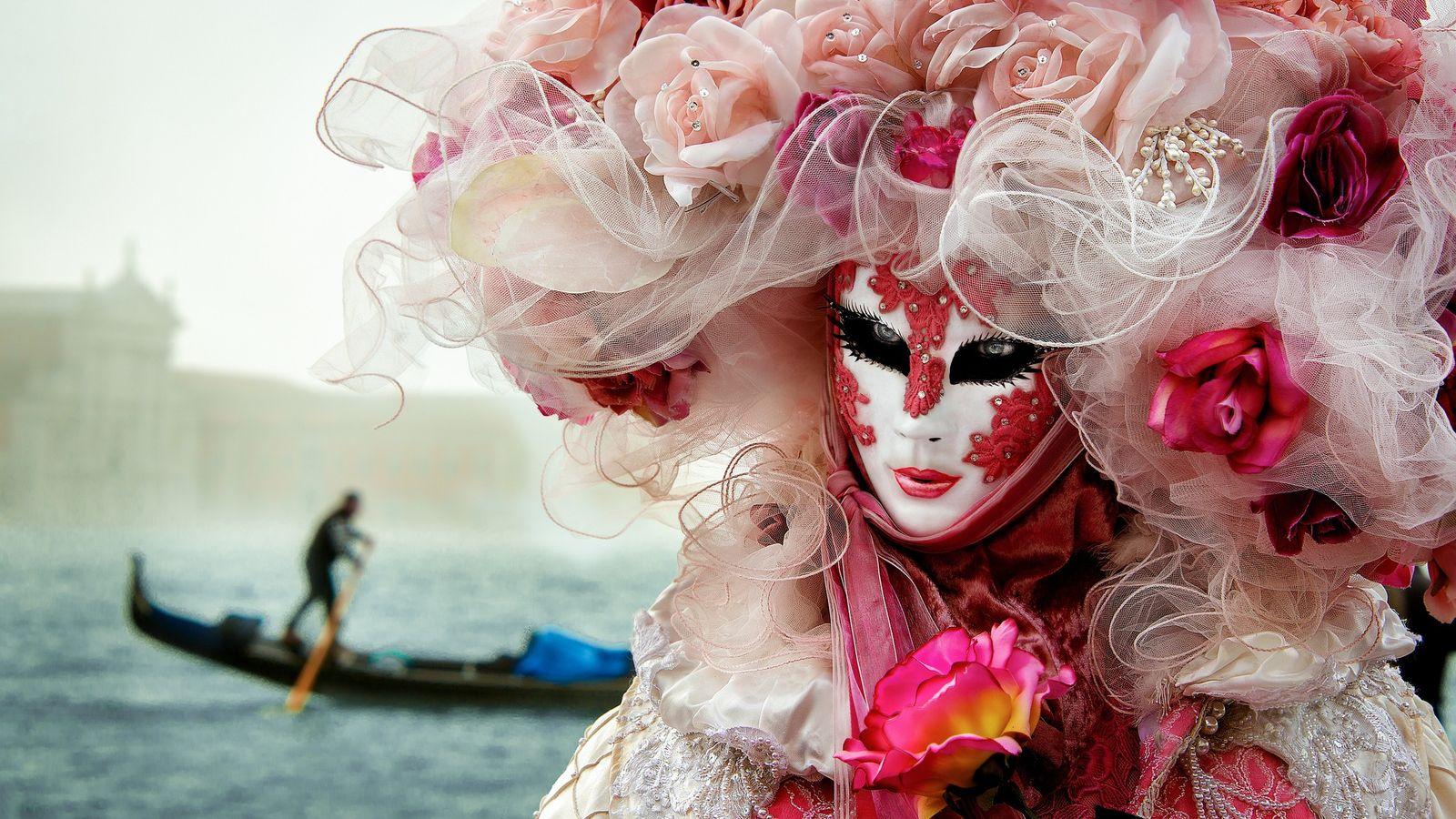 Masque de carnaval, princesse de Rose, carnaval de Venise.