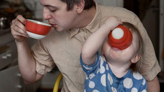 Congé paternité : le modèle suédois