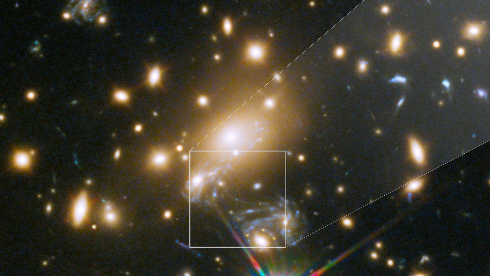 MACS J1149+2223 Lensed Star 1, ou Icare, est l'étoile individuelle la plus lointaine jamais observée. Les ...