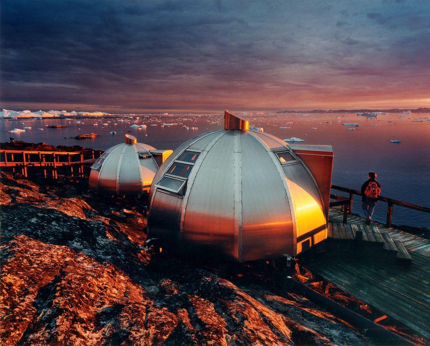 Dans le nord du Groenland, les visiteurs sont aux premières loges pour admirer un flot continu d'icebergs massifs depuis les igloos de l'Hotel Arctic.
