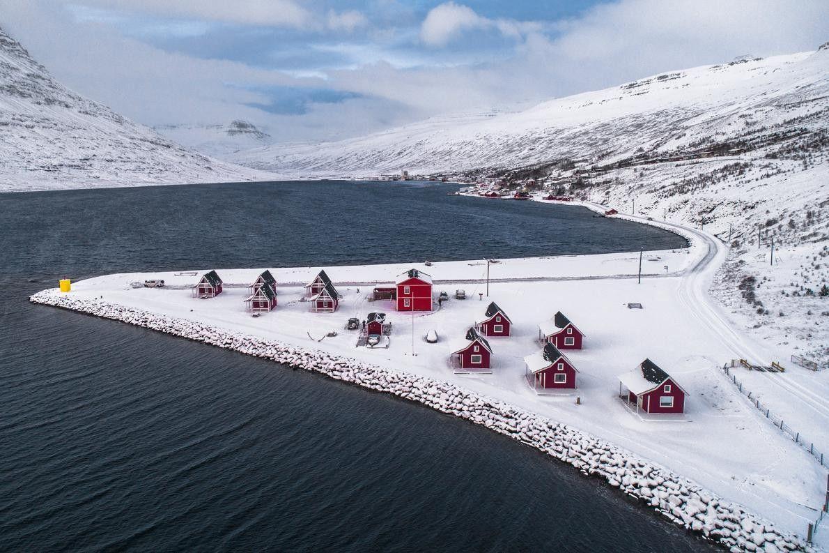 À Eskifjörður, en Islande, ces maisons sont enveloppées dans le calme. C'est en visitant l'État insulaire ...