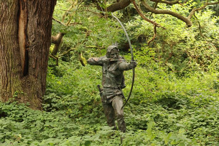 Statue représentant le légendaire voleur au grand cœur dans le Sherwood Country Park, qui fait partie ...