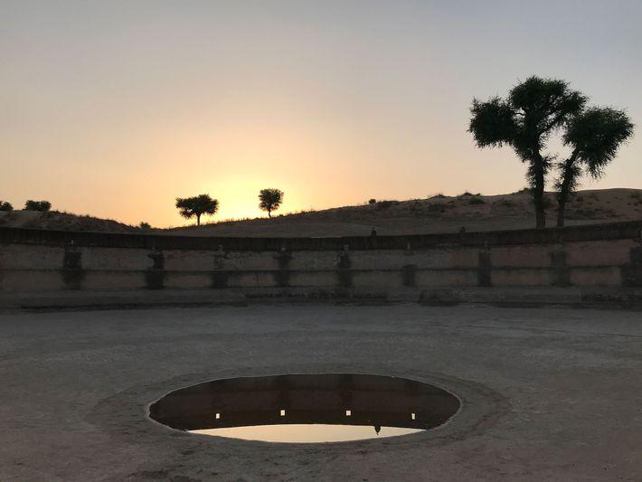 Au Rajasthan, des puits vieux de plusieurs siècles comme celui-ci parsèment le Désert du Thar.