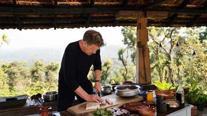 "Comment cuisiner un piranha et autres techniques culinaires que Gordon Ramsay a apprises dans ""Territoires inexplorés"""