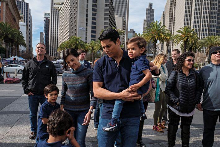 Balade à San Francisco pour Nirav Tolia, sa femme, Megha, et leurs trois fils. De nombreux ...