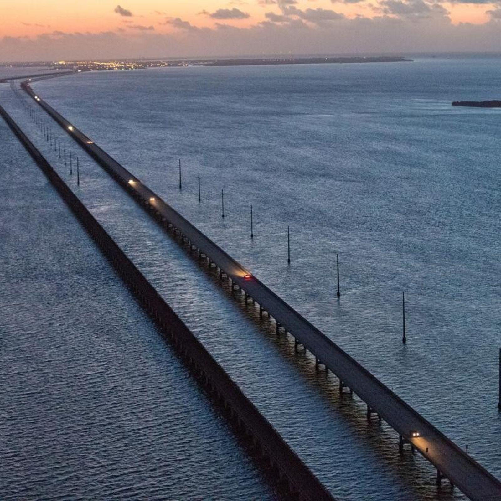 Six Mile Bridge, qui mène de Marathon Key à Key West, est ce à quoi la ...