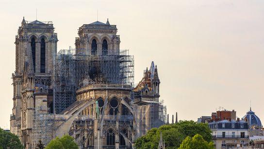 Vue sur Notre Dame après le feu qui ravagea une partie de la cathédrale le 15 avril ...