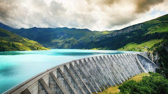 Le complexe hydroélectrique de Roselend La Bâthie, en Savoie, produit l'équivalent de la consommation en énergie ...