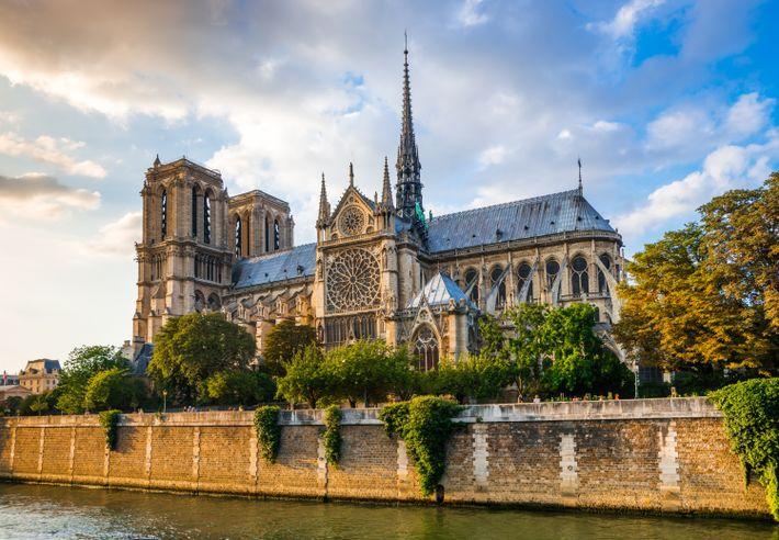 Une vue disparue -Les quais de la Seine offraient l'une des plus belles perspectives sur la ...