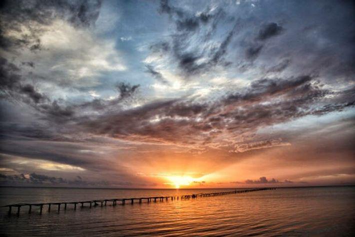 Un coucher de soleil sur l'Île de la Jeunesse.