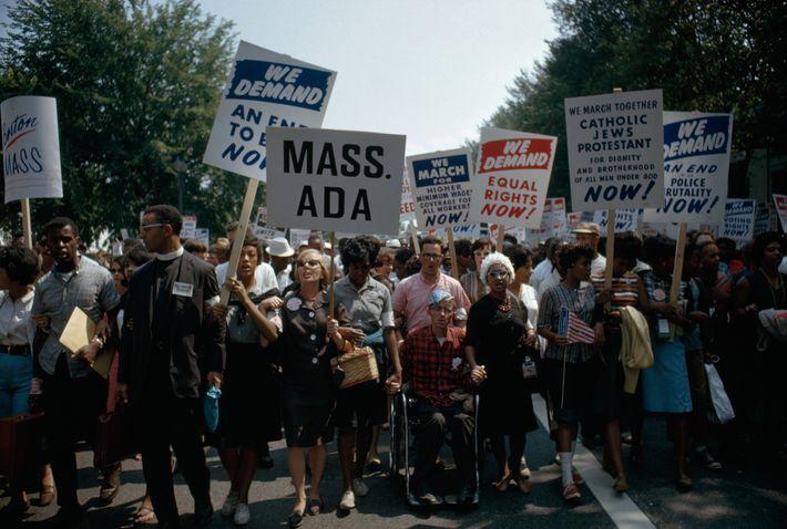 Les manifestants soutenaient alors des revendications qui résonnent aujourd'hui encore. Les organisateurs de la marche ont déterminé ...
