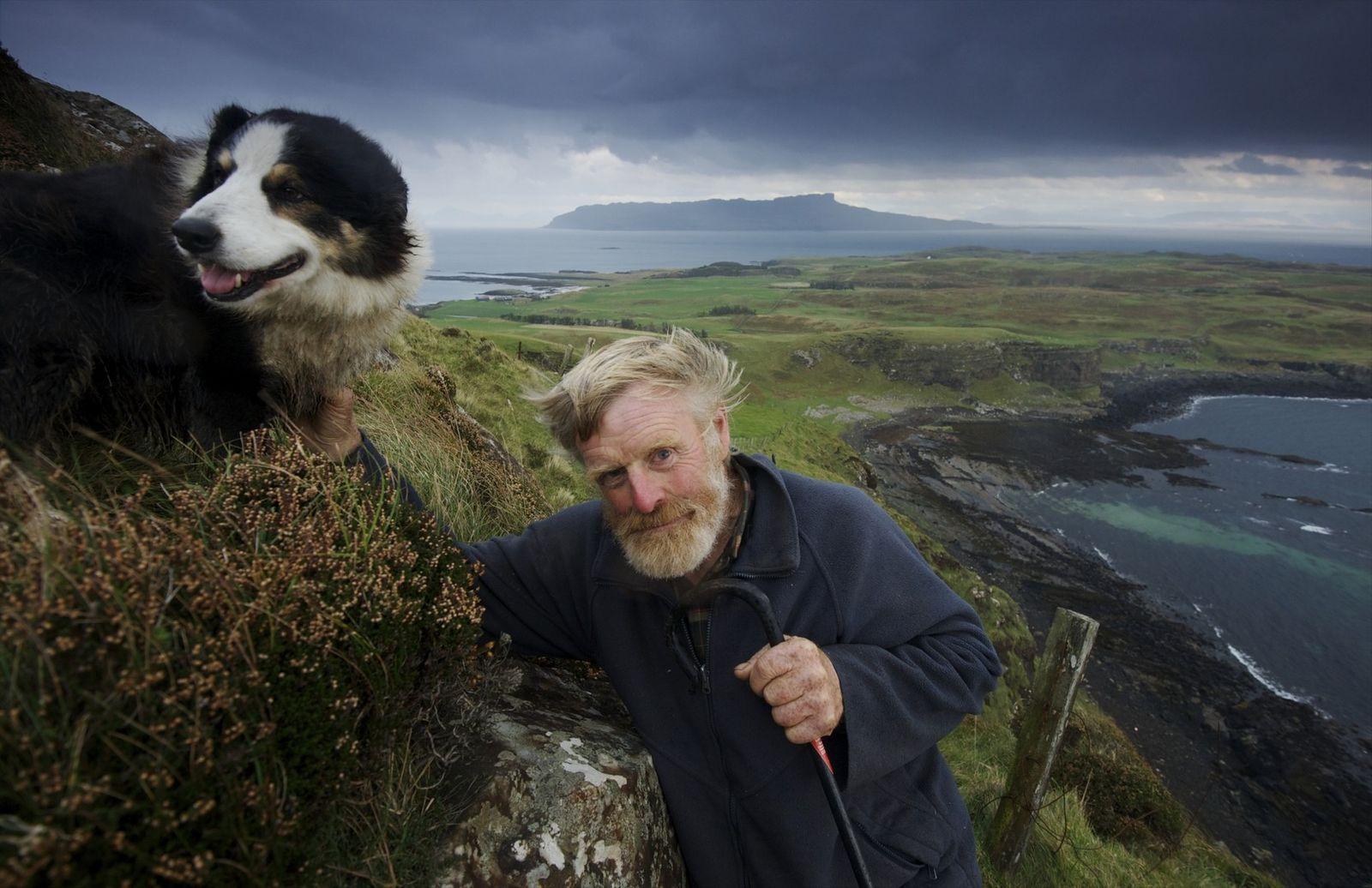 Le mont Beinn Airein est le point culminant de l'île de Muck. Lawrence MacEwan fut laird ...