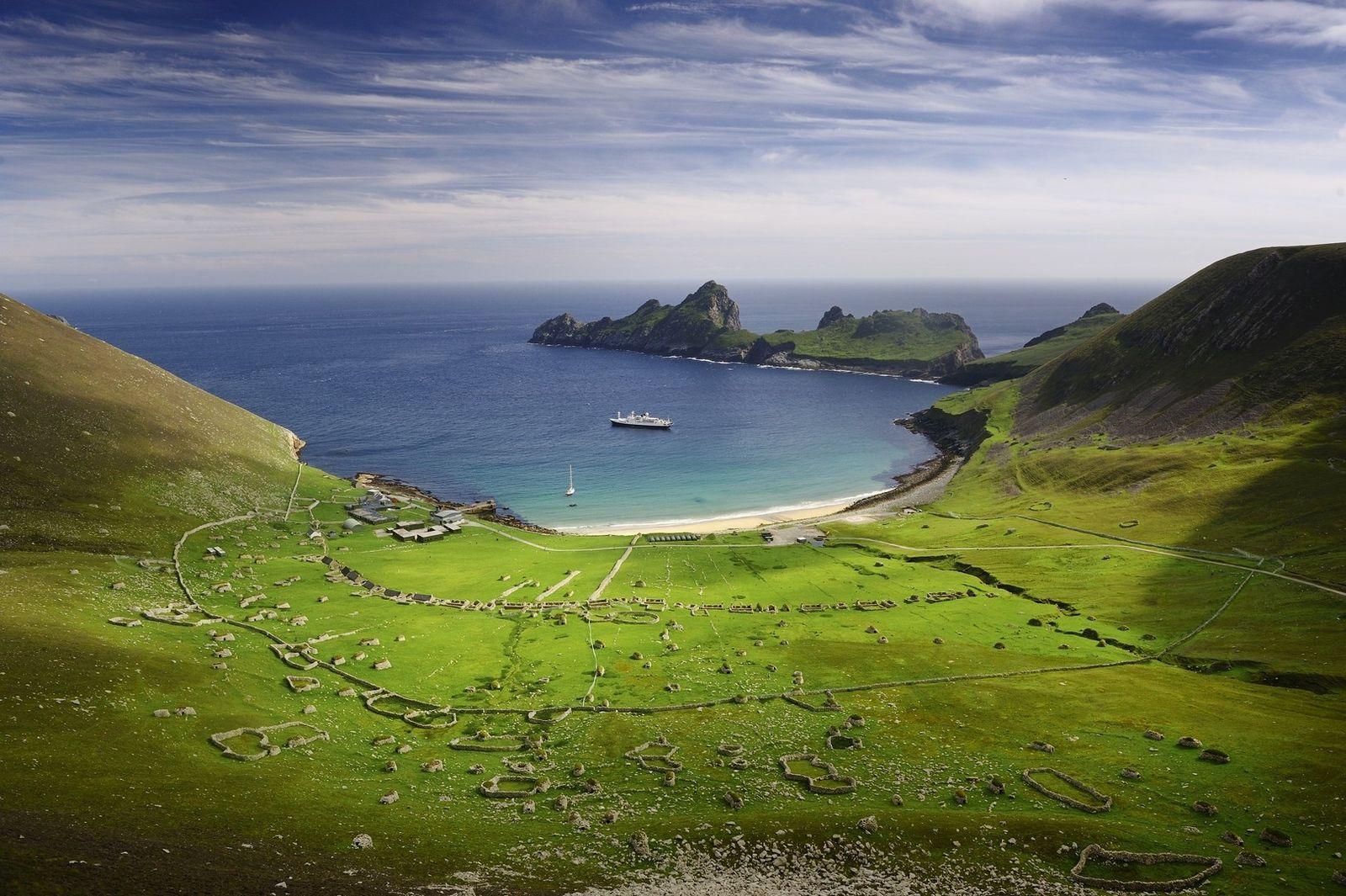 Saint Kilda est un archipel de quatre îles, situé à 65 kilomètres à l'ouest des Hébrides ...