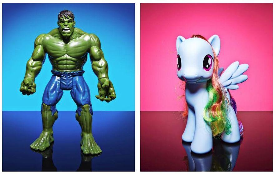 À gauche : Des figurines, comme l'Incroyable Hulk ici, ont dominé les « jouets de garçons ...