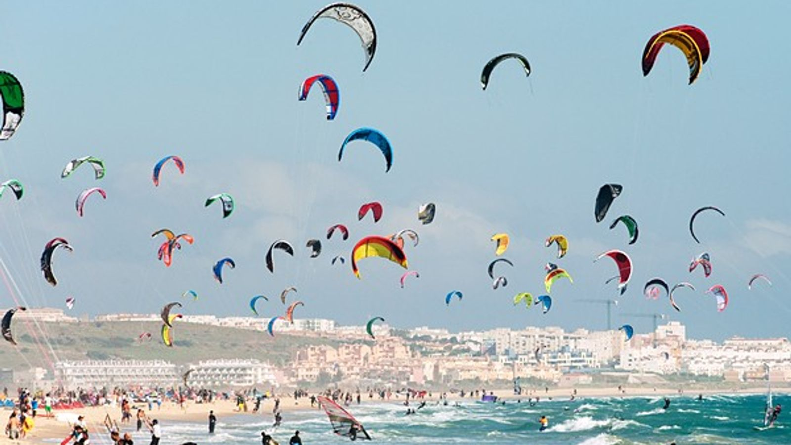 Faire du kitesurf à Tarifa, en Espagne