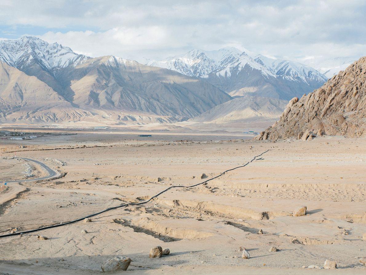 Les stupas de glace sont une méthode innovante pour stocker les eaux gelées de l'hiver pour ...