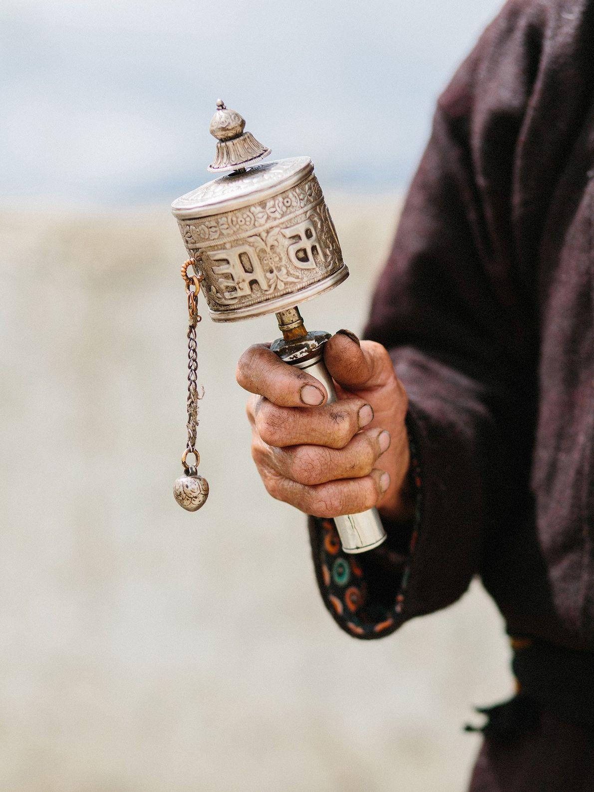 Les moulins à prières tibétains, appelés « mani », permettraient la diffusion des bénédictions spirituelles et ...