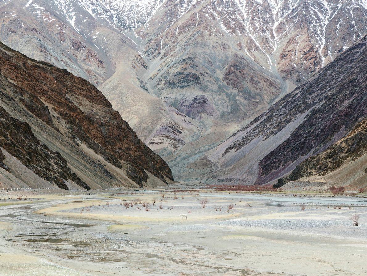 Non loin du village de Chumathang, dans le Ladakh, gît une zone isolée célèbre pour ses ...