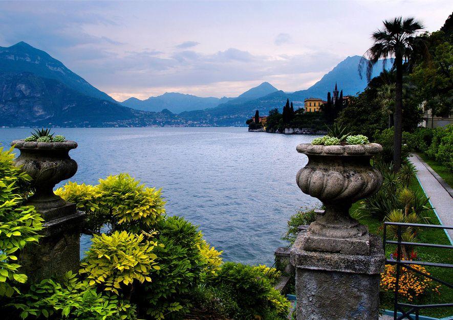 En vous promenant le long du lac de Côme, plusieurs scènes devraient vous être familières.