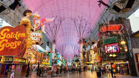 Fremont Street, dans le centre-ville de Las Vegas, abrite un bon nombre des premiers casinos de ...
