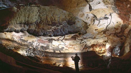 Dans le sud-ouest de la France, des œuvres d'art paléolithiques ornent les murs de la grotte ...