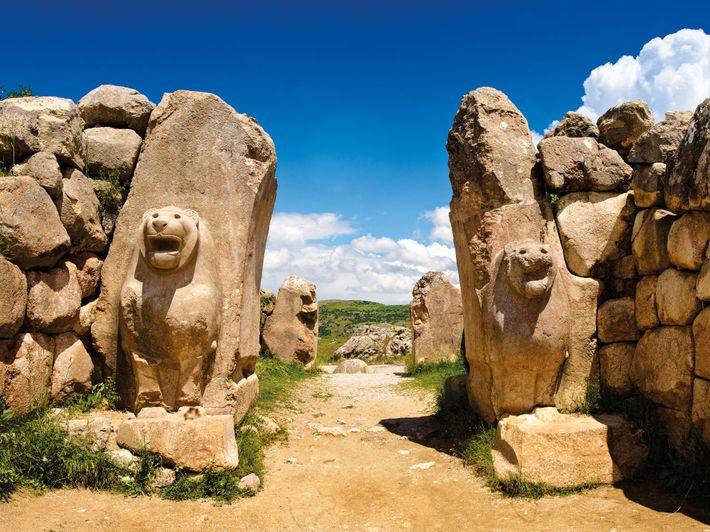 La porte du Lion était l'une des entrées de Hattusa, la capitale hittite. Après sa destruction au début ...