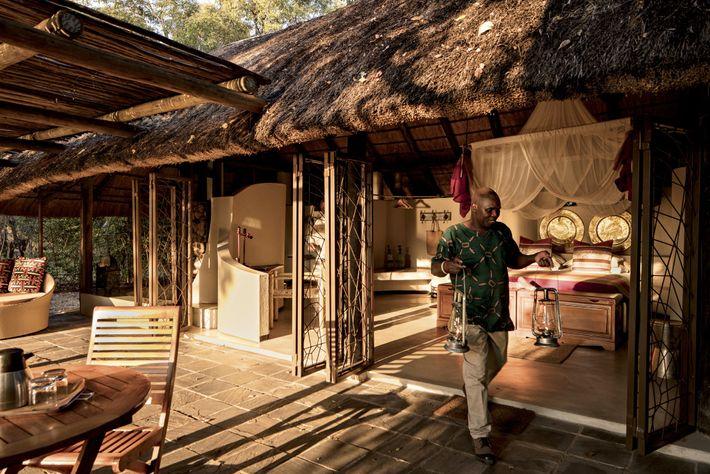 Kapamba est l'un des six camps près de la rivière Luangwa gérés par The Bushcamp Company, ...